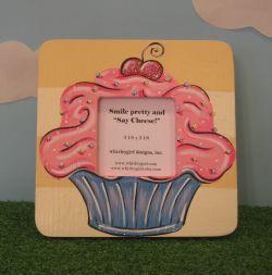 Cupcake pic frame 1